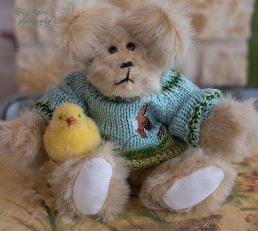 easter-boy-bear-with-chick